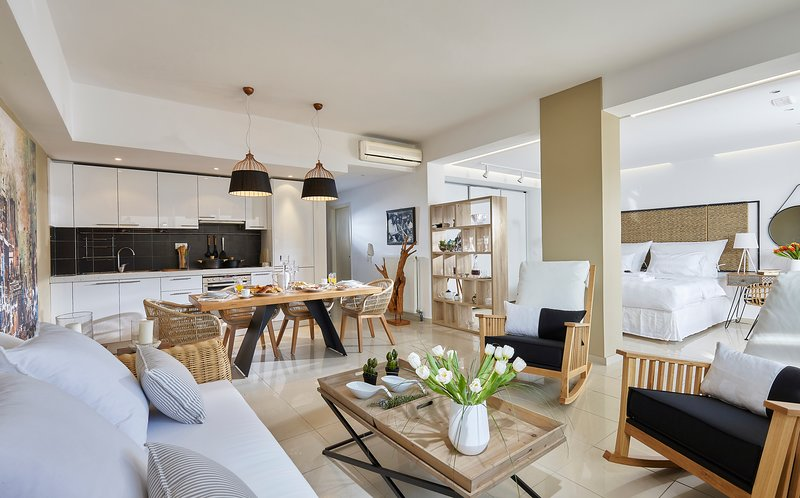 Chic & Luxury Loft with Terrific View at Private Theseus Village, holiday rental in Mades