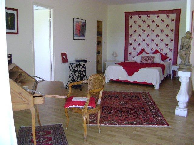Chambre d'hôtes 'Les 4 éléments', alquiler vacacional en Naujan-et-Postiac