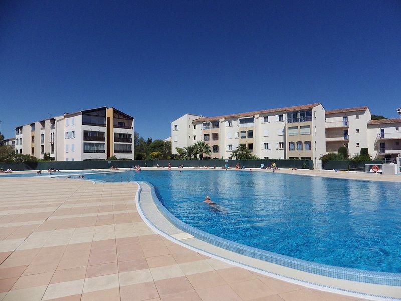 appt avec 1 chambre, piscine, tennis, vacation rental in Fréjus