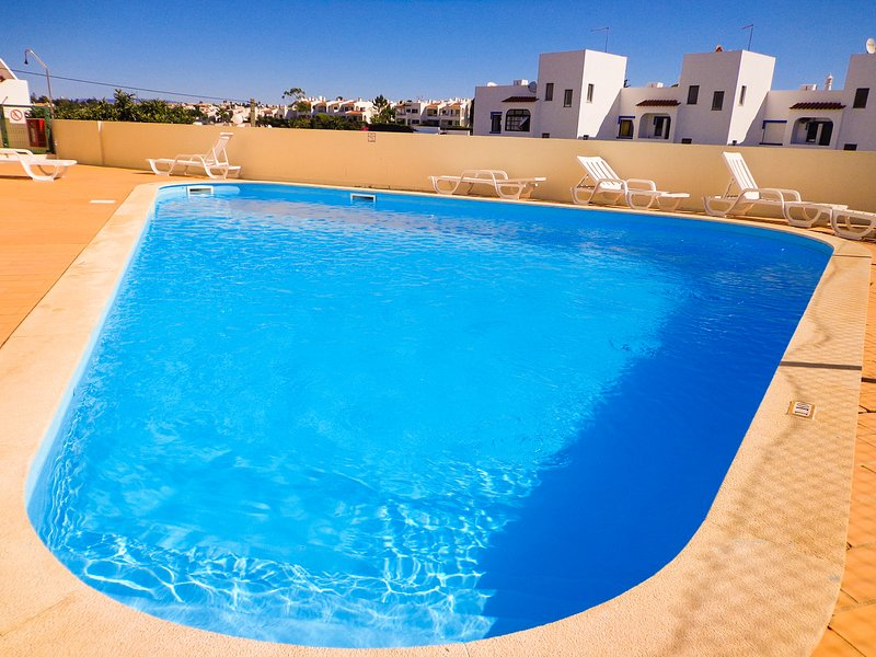 Apartment in Carvoeiro with swimming pool-G, holiday rental in Carvoeiro