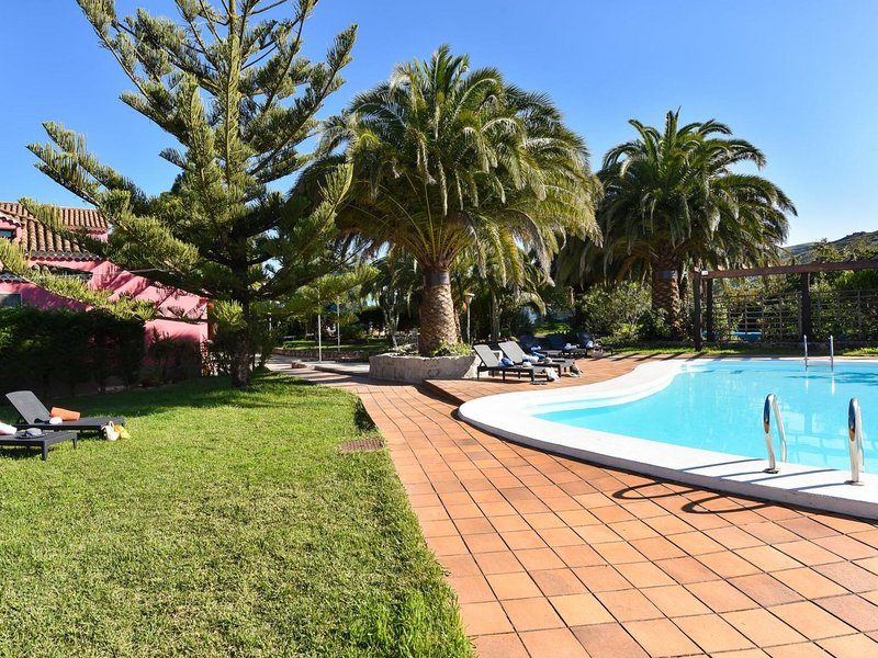 Finca Madroñal with Pool 10p, holiday rental in Pino Santo Alto