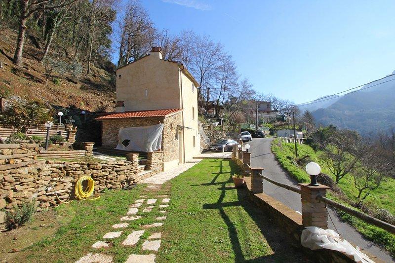 Vista Apuane, holiday rental in Azzano