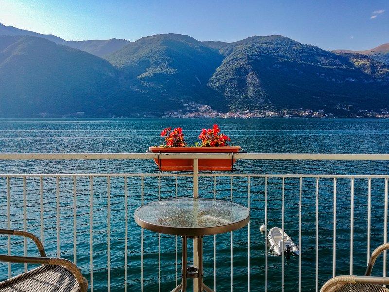 Bellagio Villas - La Traviata with balcony directly on the Lake, vacation rental in Lezzeno