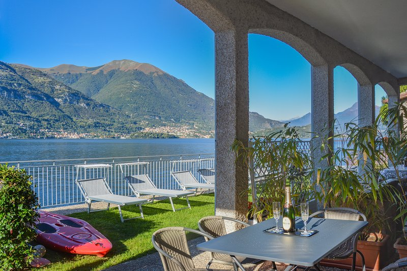 Bellagio Villas - Rigoletto with garden directly on the Lake, vacation rental in Lezzeno