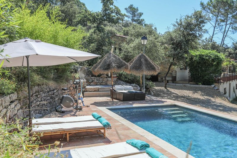 Amazing villa with swimming-pool, holiday rental in Var