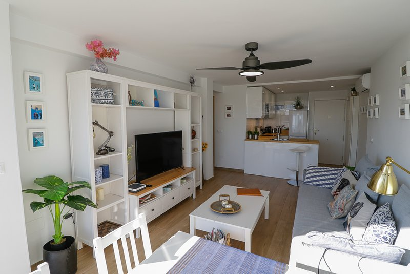 NEW, SUNNY, NEAR THE BEACH, SEA VIEWS, vacation rental in Arroyo de la Miel