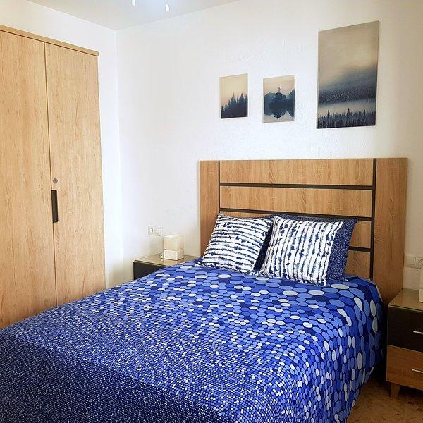 Apartamento junto al mar y en el centro. Con A/A y WIFI, holiday rental in Conil de la Frontera