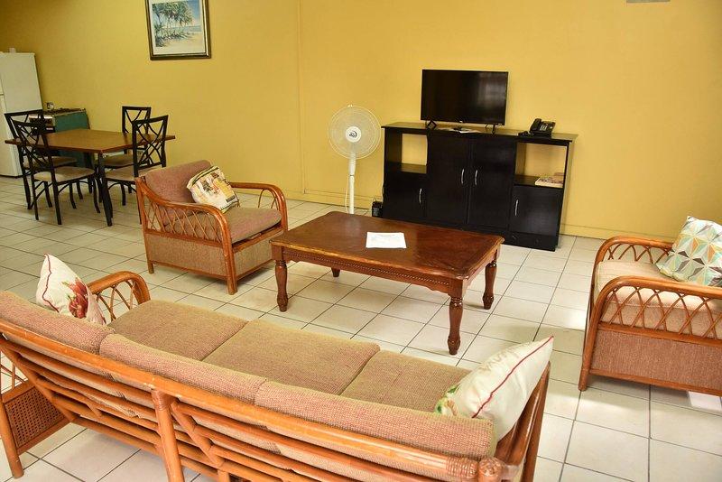 Aanola Villas A1 Peaceful Flat, holiday rental in La Clery
