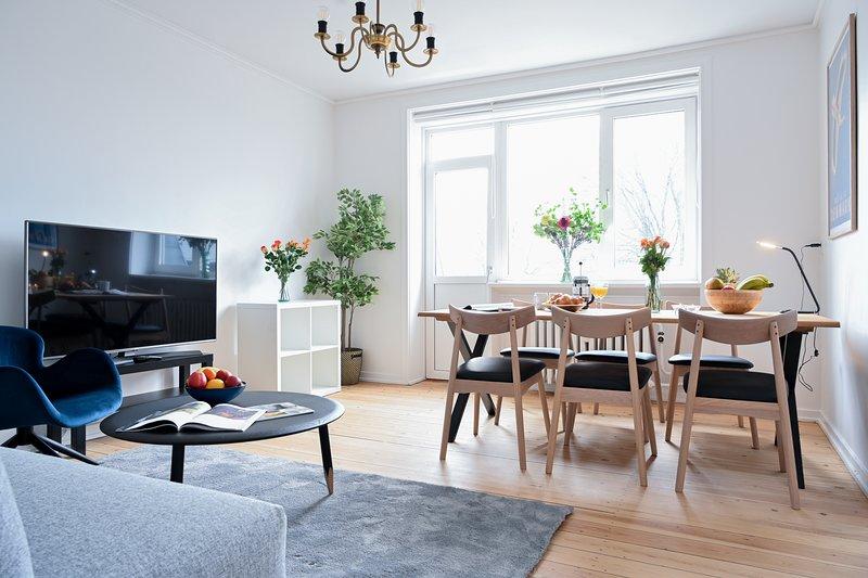 Bright 2-bedroom apartment in the family-friendly suburbs of Copenhagen, holiday rental in Copenhagen Region