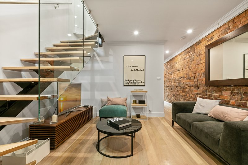 Modern 3 Bedroom Terrace in the Heart of Sydney, vacation rental in Balmain