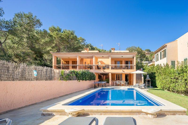 Villa with pool walking distance to the beach (Can Corios), alquiler de vacaciones en Port de Pollença