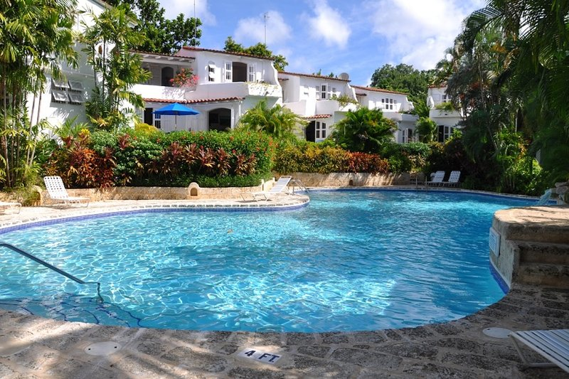 Villa Oceans Edge | Ocean View - Located in Magnificent Saint James with Priva, holiday rental in The Garden