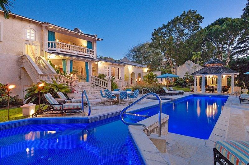 Villa Grendon House | Near Ocean - Located in Fabulous Sandy Lane with Private, location de vacances à Saint Thomas Parish