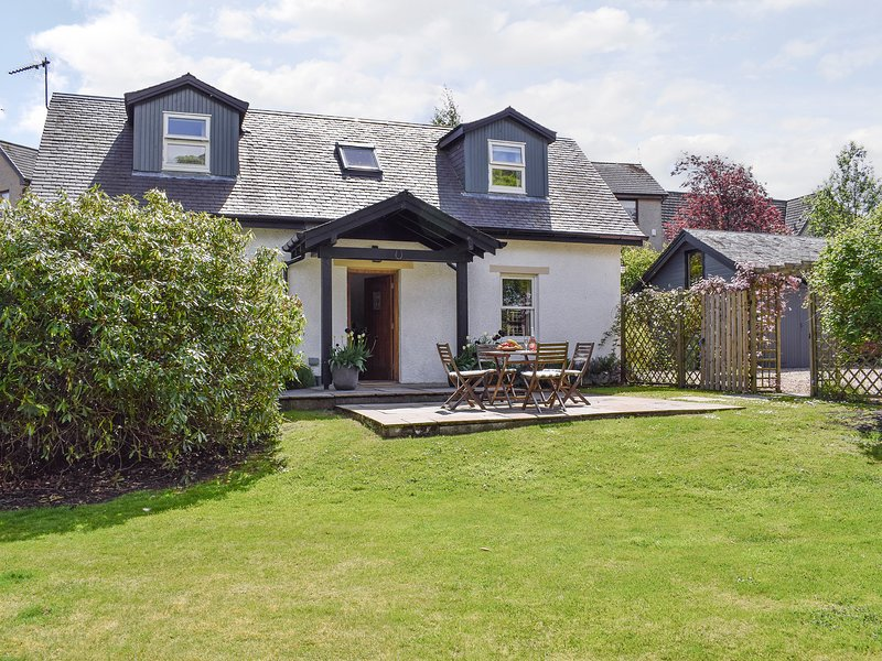 Acorn Cottage, holiday rental in Doune