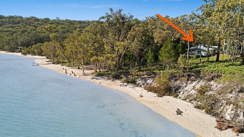 Oceanfront Retreat. Fraser Island. Absolute Beach Front., holiday rental in Pialba