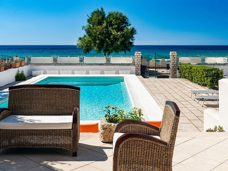 Cornino Villa Sleeps 6 with Pool Air Con and WiFi - 5831919, location de vacances à Custonaci