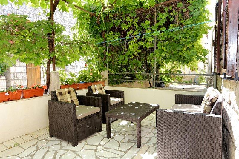 Trstenik Apartment Sleeps 3 with Air Con - 5463116, casa vacanza a Trstenik