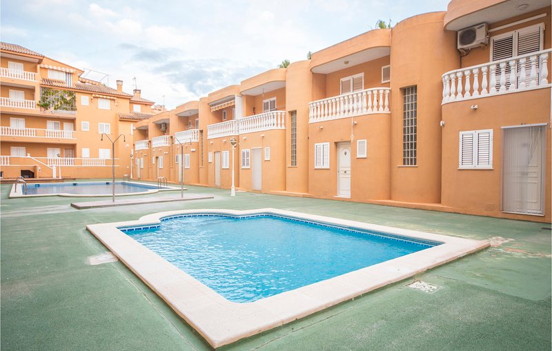 Nice apartment in Moncofa with Outdoor swimming pool and 3 Bedrooms (EBA150), holiday rental in Eslida