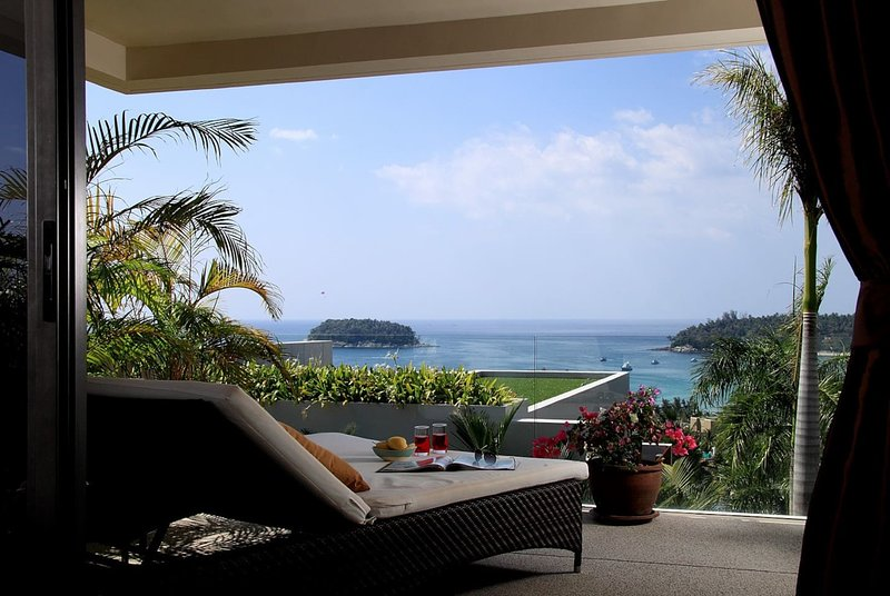 Luxury seaview apartment | THB22, vacation rental in Kata Beach