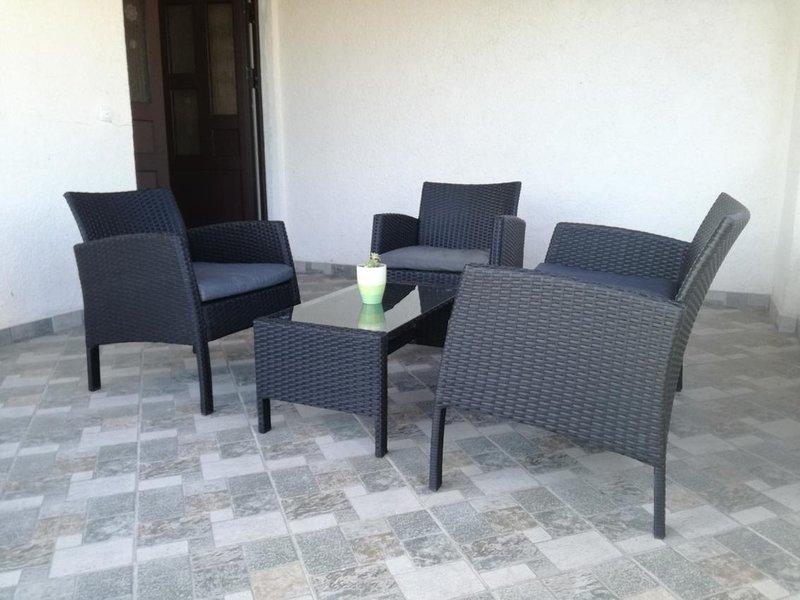 Jadrija Apartment Sleeps 5 with Air Con - 5832485, vacation rental in Jadrija