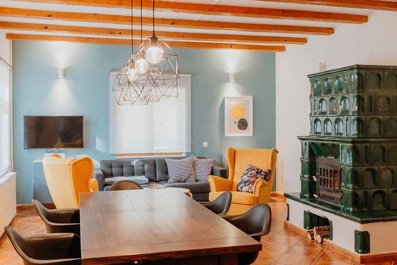 Domizil – Boutique Guesthouse, location de vacances à Cartisoara