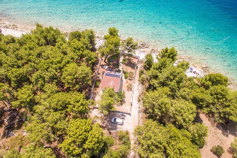 Summer Cottage On Beach, holiday rental in Okrug Gornji