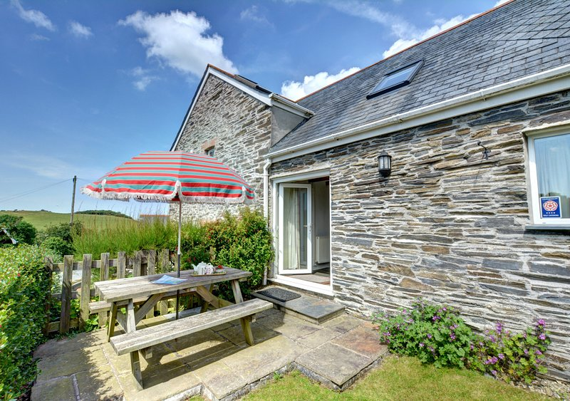 The Barn, holiday rental in St Issey