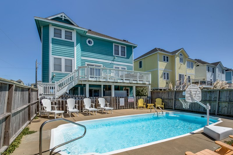 SunBird | 280 ft from the beach | Private Pool, Hot Tub | Nags Head, location de vacances à Nags Head