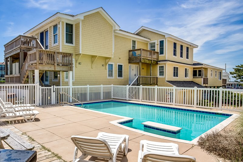 Now and Then | Oceanfront | Private Pool, Hot Tub, Dog Friendly | Nags Head, location de vacances à Nags Head