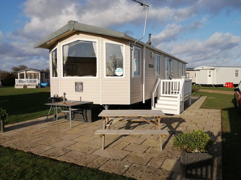 Hopton Holiday Park, 3 bed Caravan, vacation rental in Hopton on Sea
