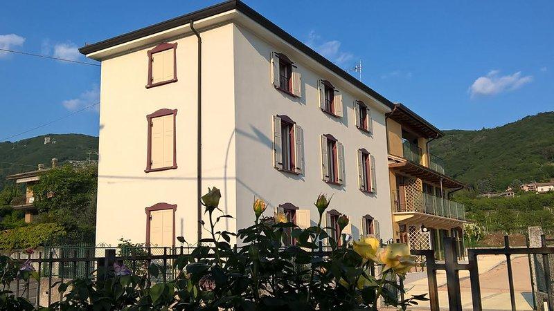 Alla Casa Bianca - Lavanda, holiday rental in Valgatara