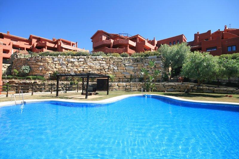 1733 - 2 bed apartment, Bahia de Casares, Estepona, alquiler de vacaciones en Casares