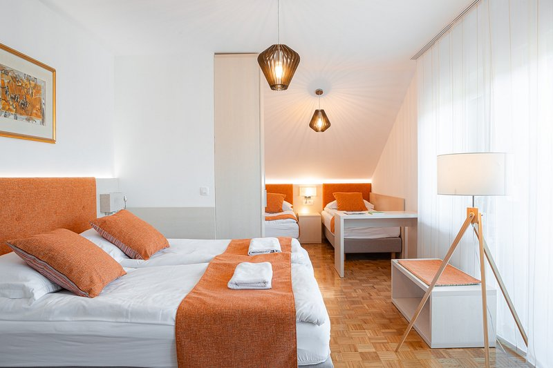 Guesthouse Vovko - Family room, holiday rental in Otocec