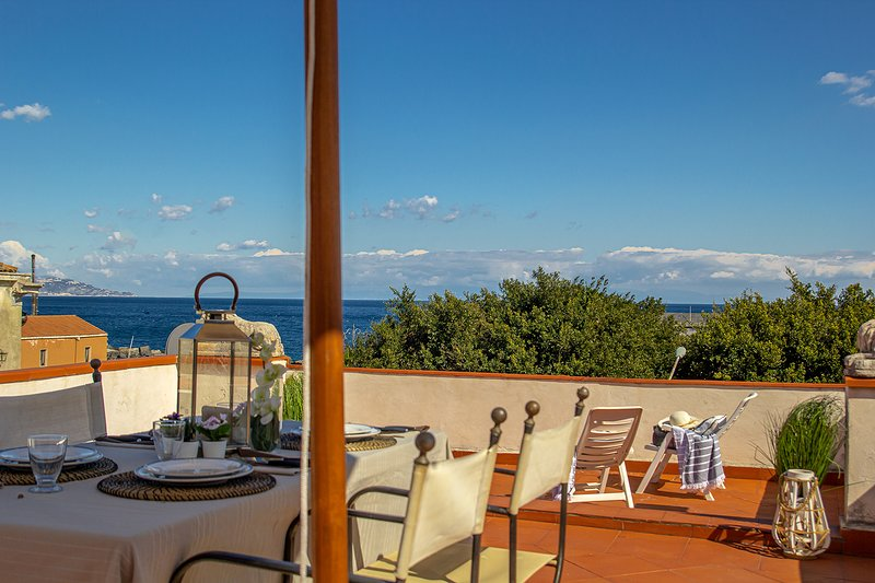 Don Camillo Suites, location de vacances à Riposto