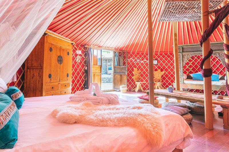 Eco Luxury Yurt Suite, Pool, Play Park, next to Beach/Restaurant – semesterbostad i Arrieta