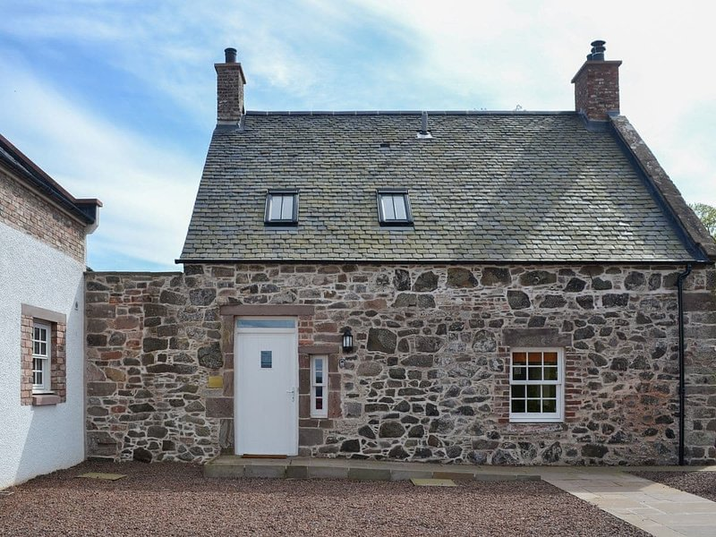 Grieve's Cottage - UK11107, holiday rental in Edzell