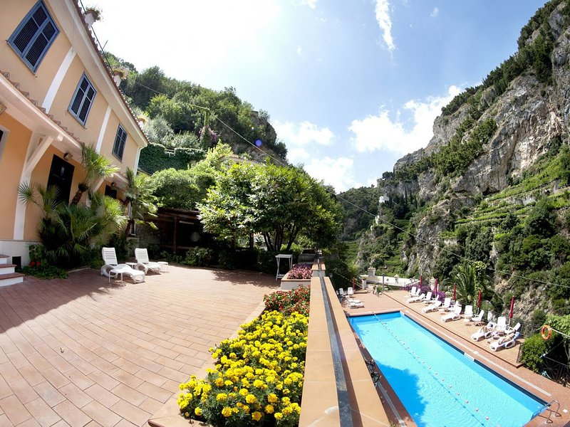 Castiglione Apartment Sleeps 5 with Pool and WiFi - 5248264, holiday rental in Castiglione