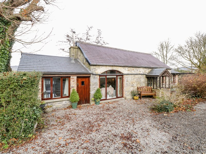 The Old Byre, Sligo Town, County Sligo, holiday rental in Collooney