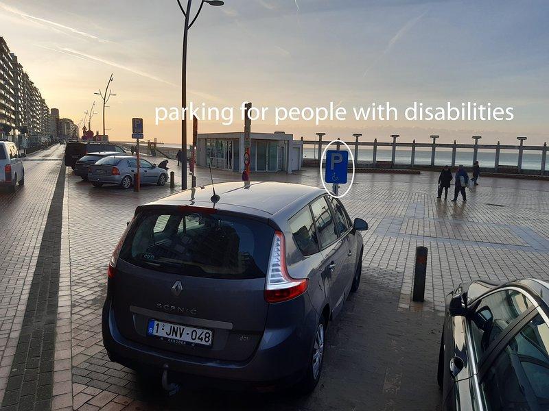 estacionamiento para personas con discapacidad cerca de Serena Waterbed Seaview