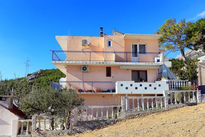 Veliko Brdo Apartment Sleeps 5 with Air Con - 5832016, vacation rental in Veliko Brdo