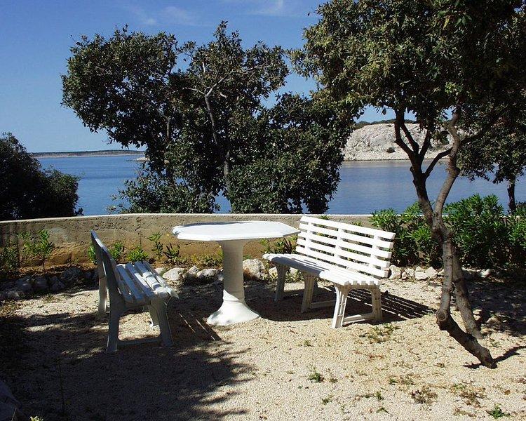 Simuni Apartment Sleeps 4 with Air Con - 5459074, location de vacances à Simuni