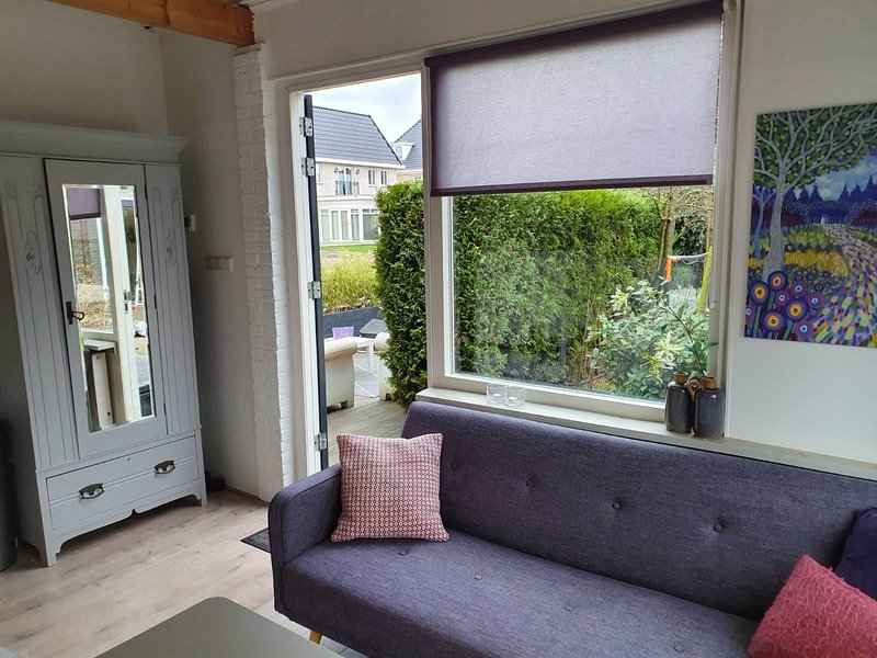 Comfy Tinyhouse Rotterdam Airport, vacation rental in Zoetermeer
