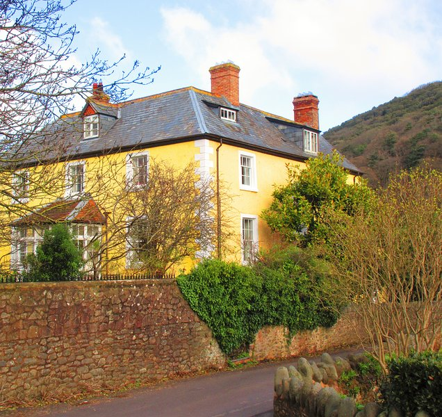 EXMOOR. 16thC Flat in Country/Village House 5*, location de vacances à Wootton Courtenay