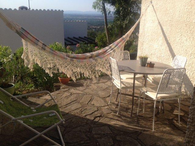 Coquet appartement de vacance  T2 en rez de jardin avec extérieur, holiday rental in Villelongue-dels-Monts
