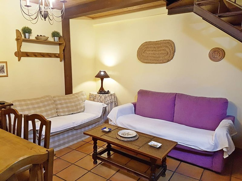 Amazing house with mountain view, vacation rental in La Iglesuela