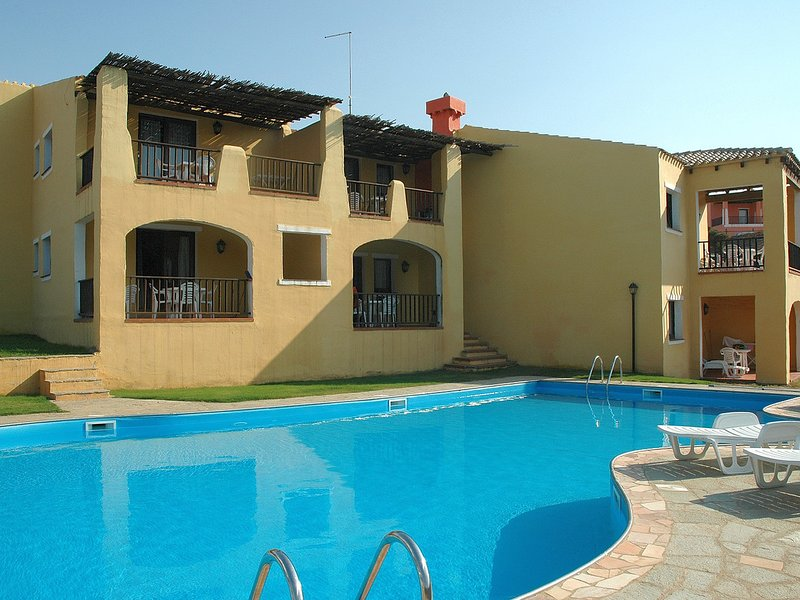 Punta de Su Turrione Apartment Sleeps 4 with Pool and WiFi - 5248037, Ferienwohnung in La Pedraia
