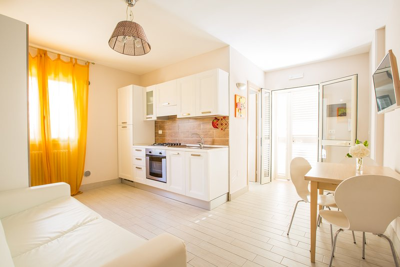 Amazing apartment near the beach, location de vacances à Pugnochiuso