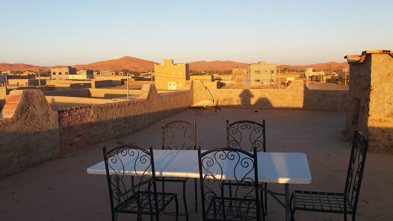 Spacious house with terrace & Wifi, vacation rental in Hassilabied