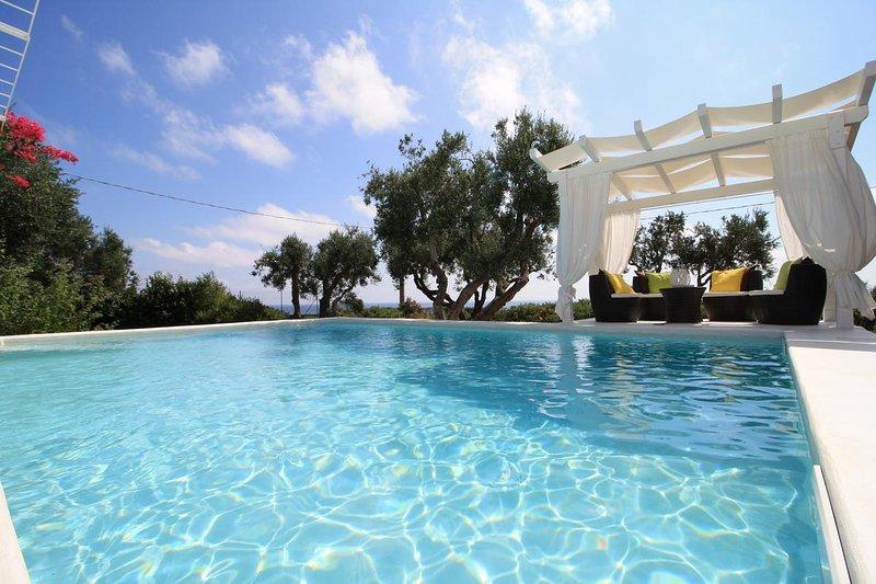 Amazing villa with swimming-pool, holiday rental in Castrignano del Capo