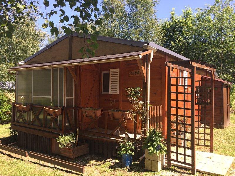 Cabane Morvandelle, grand séjour familial, holiday rental in Lucenay-l'Eveque